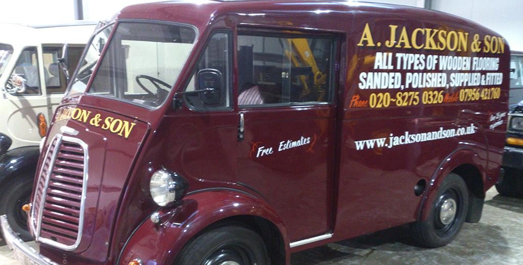 Morris J-type panel Van.